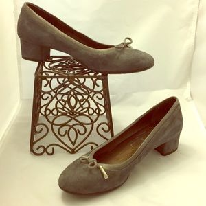AGL gray pumps size 40 =9.5-10 Made in Italy